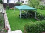 trawnik,namiot,grill przed domem