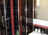 Brązowy domek - łazienka