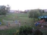 Plac zabaw dla dzieci przed Tawerną