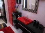 łazienka w czerwonym