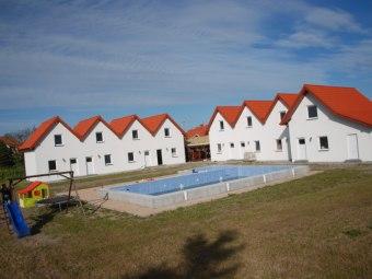 Domki z basenem
