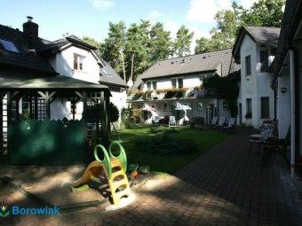 Dom Gościnny Borowiak -ZAPRASZAMY-