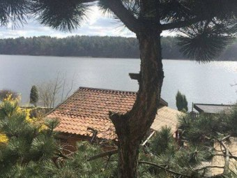 Domki i pokoje nad jeziorem
