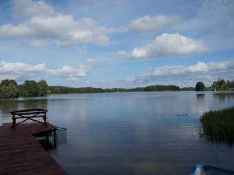 Dom letniskowy dwurodzinny przy jeziorze Szóstak