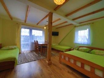 Pokoje (2-4 os.) z łazienką-10 min plaża