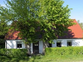 Wakacyjny dom na wsi niedaleko morza