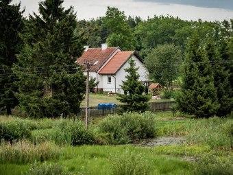 Dom w akacjach