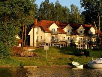 Biały Łabędż hotel 50m od jeziora ! Zobacz F i l m
