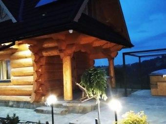 Domek drewniany - Czerwienne