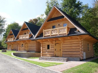 Ostoja Karlików - domki z kominkiem przy wyciągu