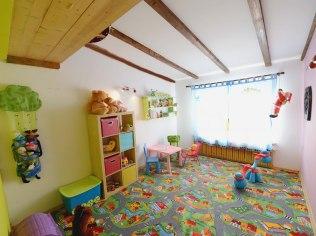 Urlop z małymi dziećmi - Dom Wczasowy Paryżanka