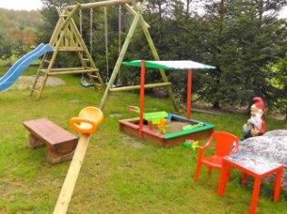 Urlop z małymi dziećmi - Oleńka kwatery noclegi pokoje w Lubiatowie