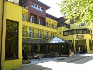 Budynek główny przy Hostelu