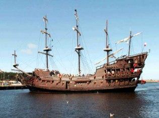 Rejsy statkiem po morzu
