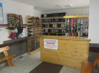 Wypożyczalnia nart i snowboardów - Dom Wypoczynkowy U Hanki wolne pokoje na sylwestra