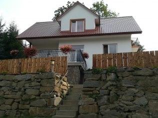 Domki letniskowe oraz pokoje gościnne nad Jeziorem - Wolne Pokoje Na Skale w Bieszczadach