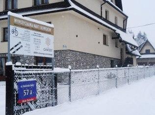 Ferie Zimowe Wypozyczalnia Nart -Wyciag 300m - Willa Chwost Wypożyczalnia Rowerów i Nart