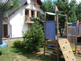 Dom przy ul. Leśnej 31 - plac zabaw